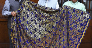 Narendra Modi hands over Chaadar to be offered at Dargah Khwaja Moinuddin Chishti Ajmer Sharif
