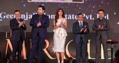 Shilpa shetty with elan group's Managemt at the launch of Elan Miracle
