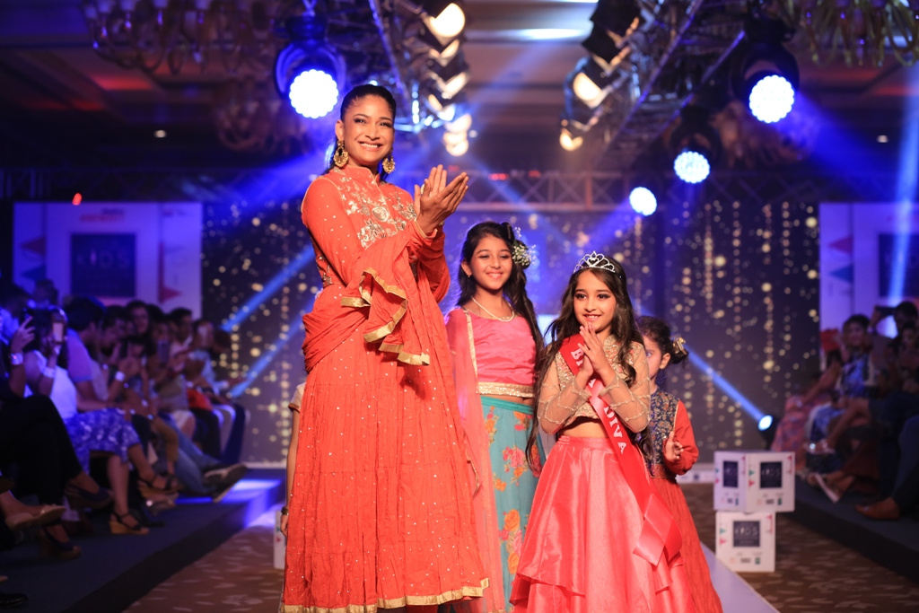 Day-2,Carol Gracias walked the ramp with kids at India Kids Fashion Week