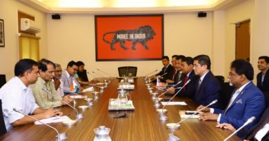 Delegation from Malaysia's Selangor state meets Suresh Prabhu