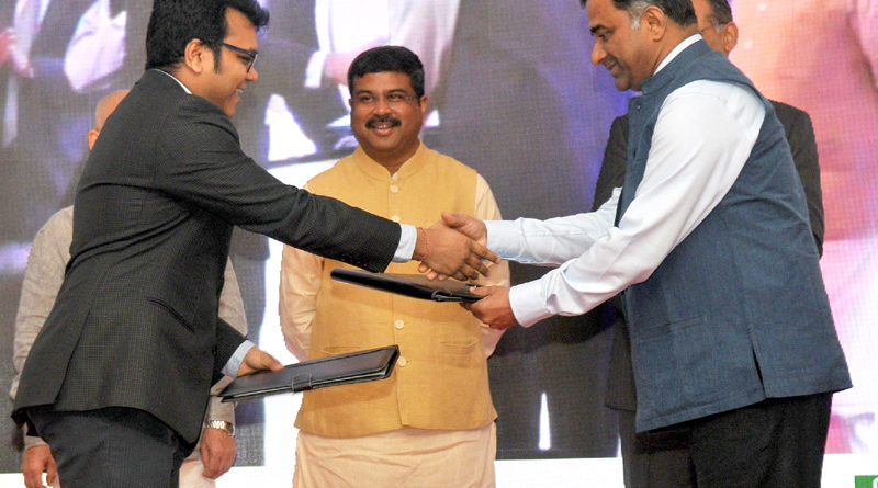 Shri Dharmendra Pradhan launches Start-up Programmes for entrepreneurs in Oil and Gas sector