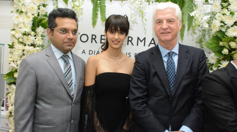 gorgeous actress Disha Patani visited OM Jewellers