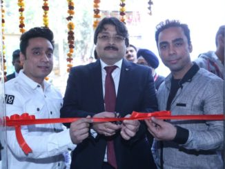 Mr Puneet Datta(Center),Director,Profesional Printing Products, Canon India with Mr. Vipin and Mr Ketan Kharbanda, Prism Printers at the installation of Canon imagePRESS c10000VP