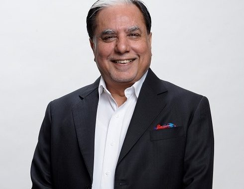 Shri Subhash Chandra, Member of Parliament, Rajya Sabha wins 'Entrepreneur of the Decade' Award