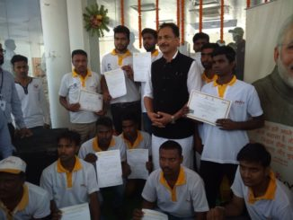 Minister Rajiv Pratap Rudy distributes certificates to trainees of PMKVY- RPL