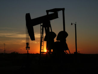 oil-derrick-in-the-sunset-in-texas
