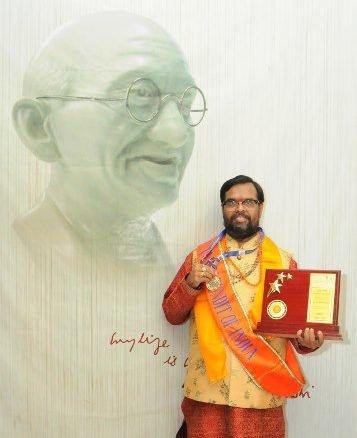 Renowned vastu exponent, Dr Veeramaneni, bags 'Gold Medal'