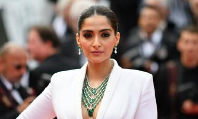 """There Shouldn't Be Any Labels Or Restrictions,"""" Says Sonam Kapoor"""