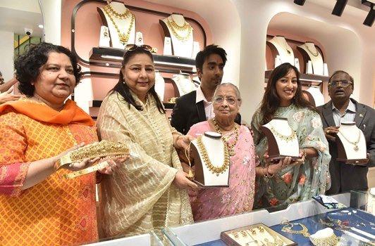 Sri Jagdamba Pearls opens on Dr AS Rao Nagar high street!