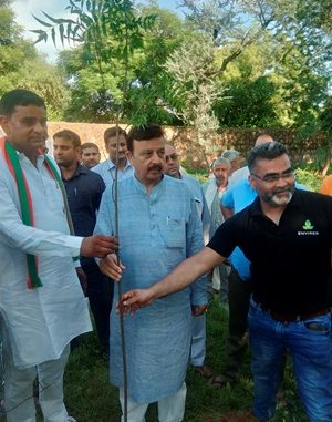 Cabinet Minister Rao Narvir Singh plants saplings to promote message of clean & green Gurugram