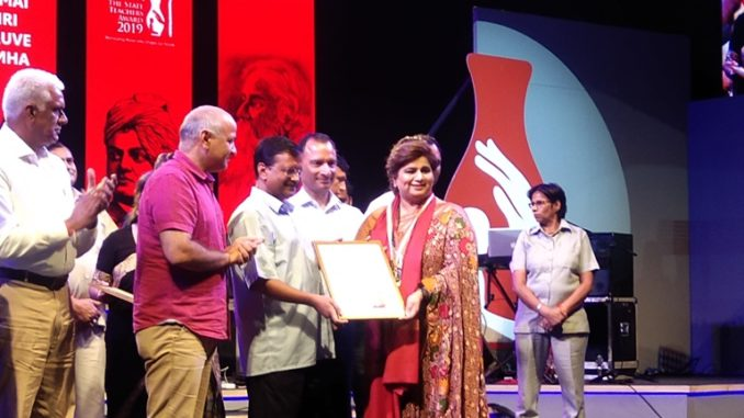 Alka Kapur felicitated by Delhi Directorate of Education