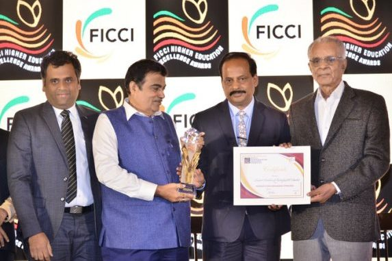"""IIT Roorkee Awarded For """"Excellence in Internationalization Of Education"""""""