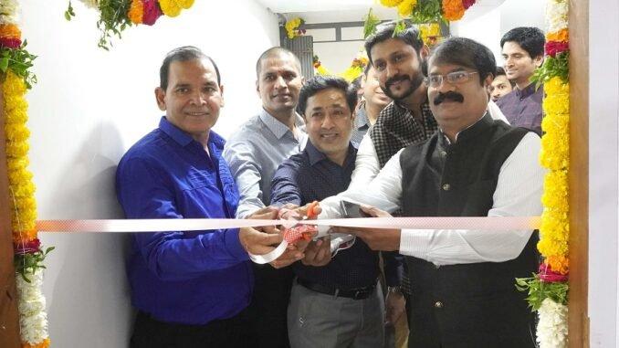 Krishna Yedula, Pankaj Lalwani and others seen inaugurating VDalph