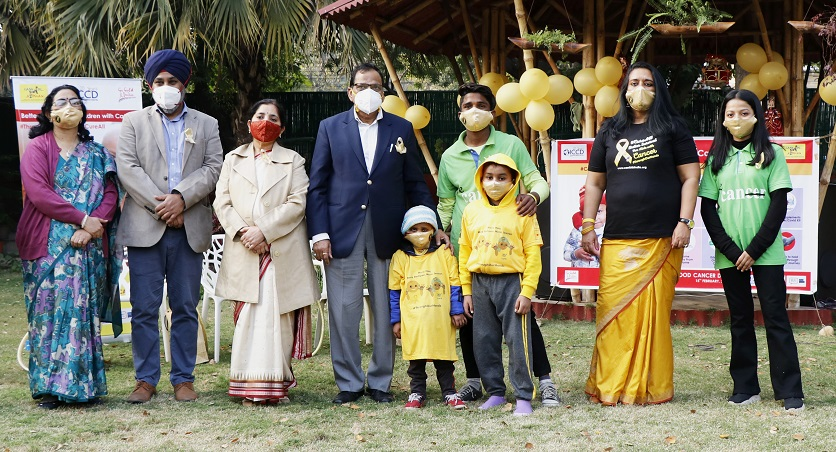 From the left Smt. V.K Paul, Dr. Ramandeep Arora(Pediatric Oncologist, Max Hospitals & Secretary, India Pediatric Oncology Group (INPOG), Dr. Rachna Seth(Prof in charge Pediatric Oncology, Pediatric Dept. AIIMS), Dr. V.K Paul(Member NITI Aayog. leads the Health and Nutrition verticals), Ms. Poonam Bagai(Chairman of Cankids) along with cancer patients in yellow and cancer survivors in green.